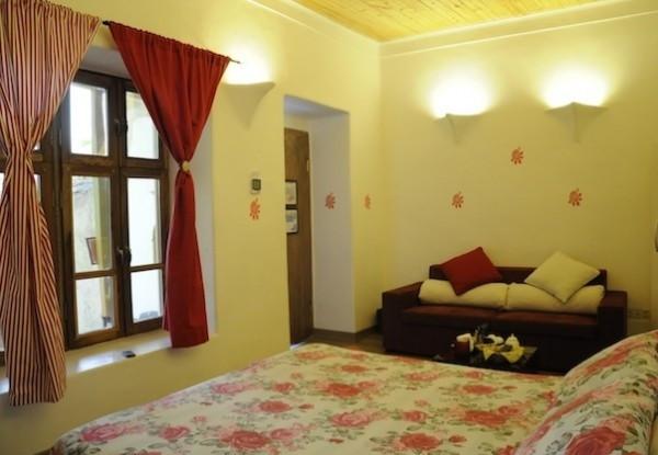 هتل اقامتگاه بومگردی خانه گل